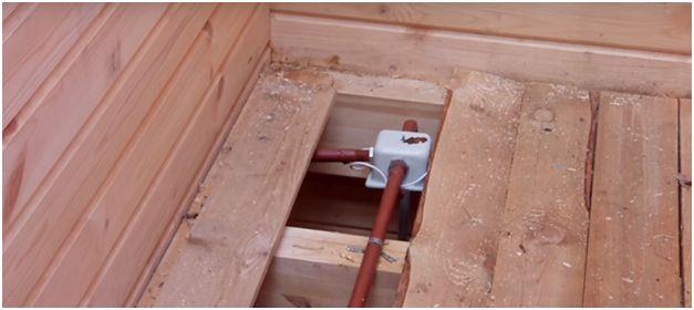 Особенности монтажа в деревянном доме