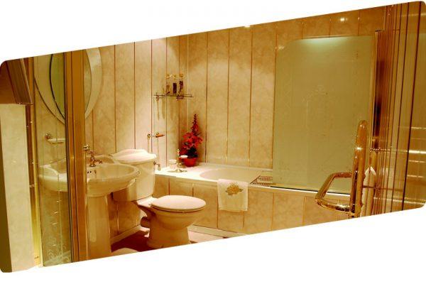 Отделка ванной комнаты пластиковыми панелями: плюсы и минусы